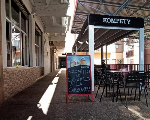 BAR PIZZERÍA KOMPETY